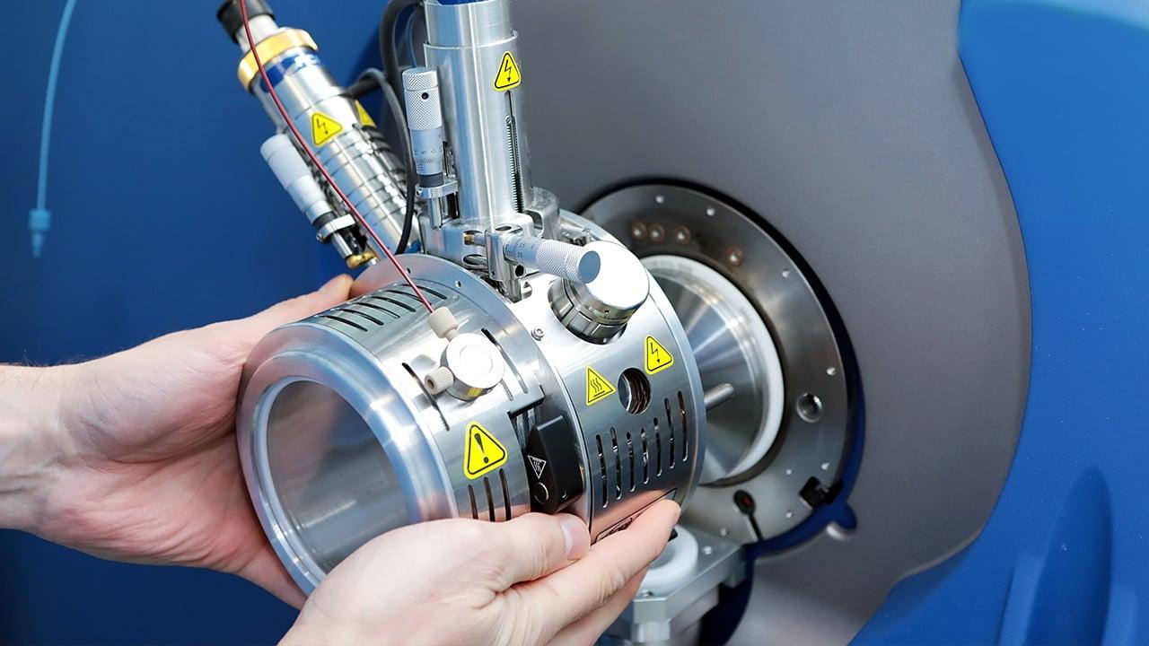Mass-spectrometer